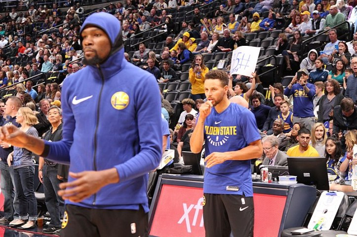 800px-Stephen_Curry_and_Kevin_Durant